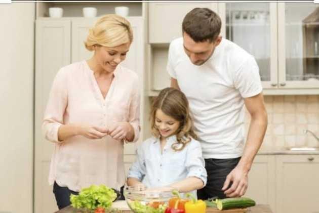 Çocuğunuza küçük yaştan i̇tibaren yemek yapmayı öğretir misiniz?