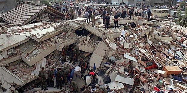 Depremle ilgili komisyon kurulması isteminin AKPli ve MHPli vekillerin oyuyla reddedillmesi konusunda ne düşünüyorsunuz?