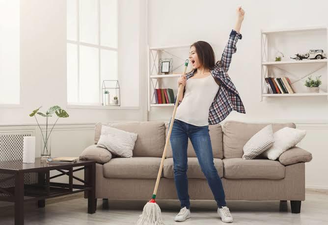 Müzik dinlemeden ev işi yapabileniniz var mı?