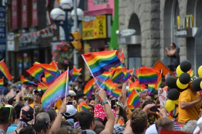 Dünyada eşcinselliği teşvik eden bir tutum sergilendiğini düşünüyor musunuz?