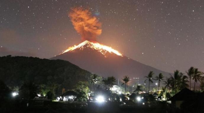 Endonezyada Merapi Yanardağında patlama! Patlayan bir yanar dağ için, sizce nasıl bir önlem alınmalı?