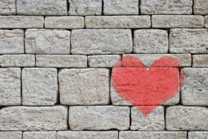 Aşka karşı olan aşılması güç surlarınızı yerle bir edecek en kuvvetli silah nedir?
