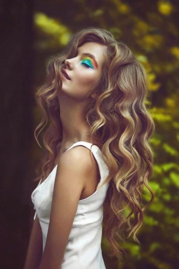 Parlak ve sağlıklı saçların sırrı nedir?