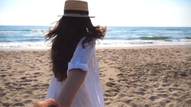 Şuanda tatile gidecek olsanız, yanınızda kimi isterdiniz? Adı nedir o kişinin :) ?