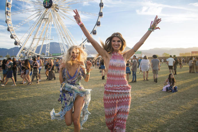 Siteden birisiyle bir festivale katılacak olsan yanına kimi alırdın?