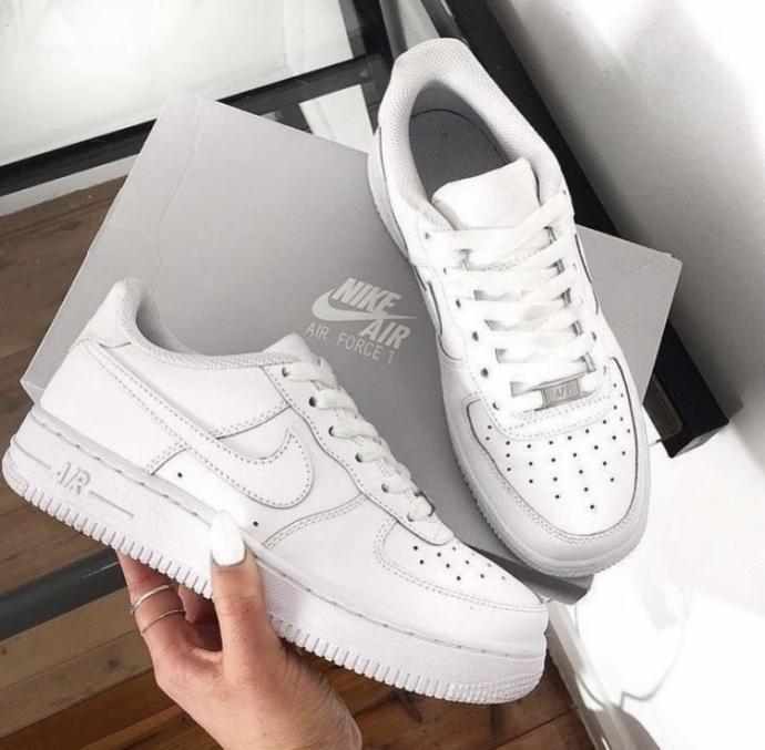 Hangi ayakkabiyi siparis edeyim sizce?