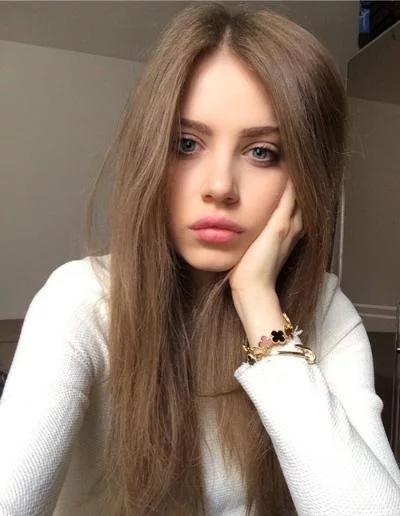 Türk kızları mı Rus kızları mı sizce hangisi hadi tarafınıza seçin hangisi sizce ?