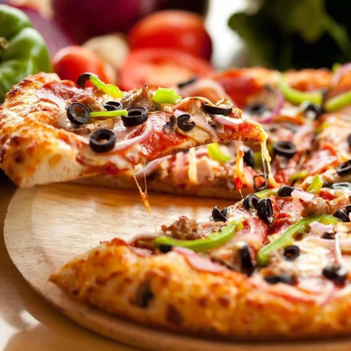 Sence Lahmacun mu? Pizza mı?