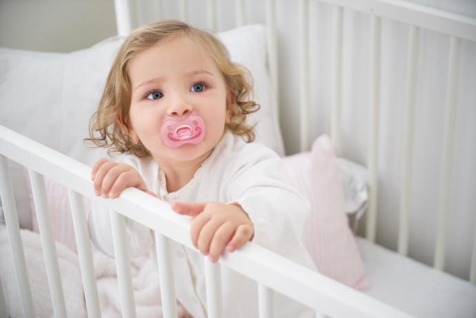 Bebekleri emziğe alıştırmak doğru mu yoksa yanlış mı?