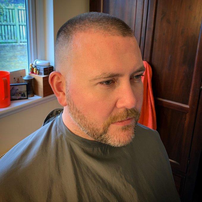 Sosyal medyada yayılan yeni akım saç kazıtmaya siz de katılır mısınız?