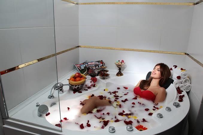Duş keyfinde köpük mü tercih edersiniz, duş jeli mi?