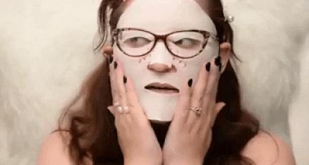 Bakımlılar sahneye! Evde maske yapmanın en güzel yanı sence hangisi?