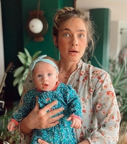 Anneler Gününün sembol annesi, çiçeği burnunda bu ünlü annelerden hangisi? 👩👦👦