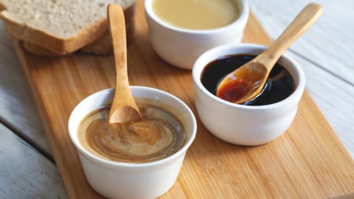 Kahvaltıda bal kaymak ikilisi mi, tahin pekmez ikilisi mi tercihiniz olur?