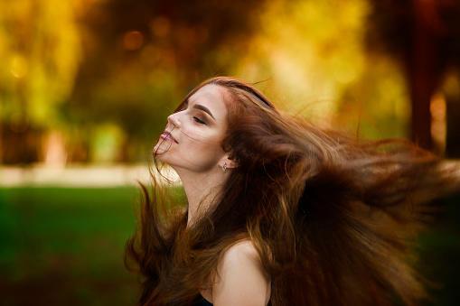 Saçlarının hangi özelliğine çok güvenirsin?