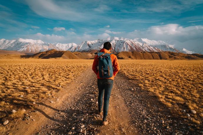Sizce ıssız yerlere doğa yürüyüşü yapacaklar yanlarına neler almalıdır?