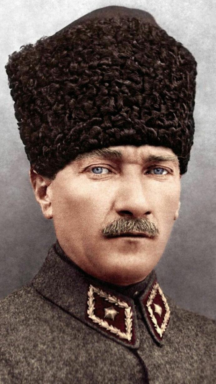 Atatürkü seviyormusnuz sizce nasil biri?