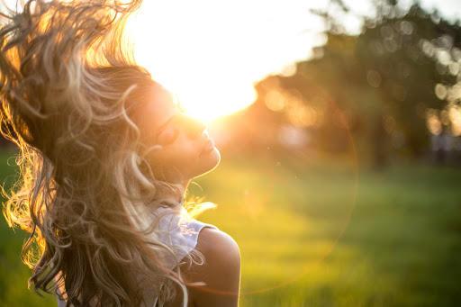 Yazın sarı saçların bakımı nasıl yapılması gerekmektedir?