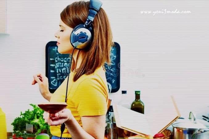 Yemek yaparken müzik dinlemeyi sever misiniz?