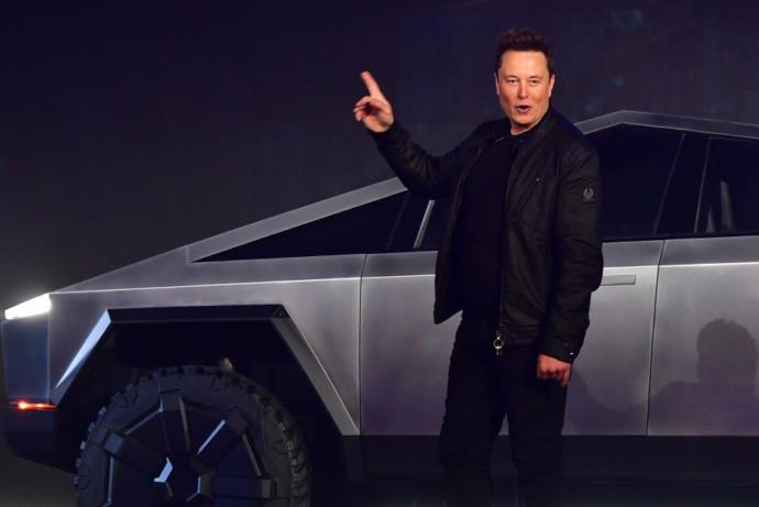 Elon Musk mu daha karizmatik Selçuk Bayraktar mı?