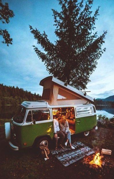 Mutluluk, keyifli bir yolculuk mudur yoksa son durak mı?