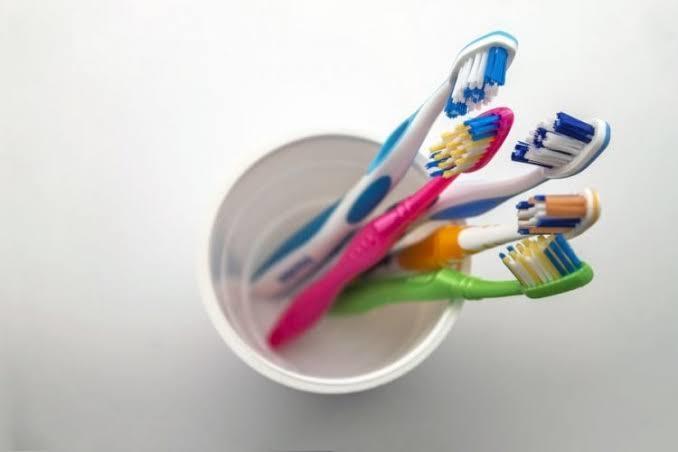Diş fırçanızı kaç ayda bir değiştiriyorsunuz?