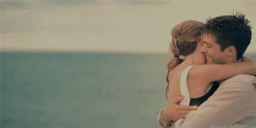 Birine aşık olmak kolay mıdır?
