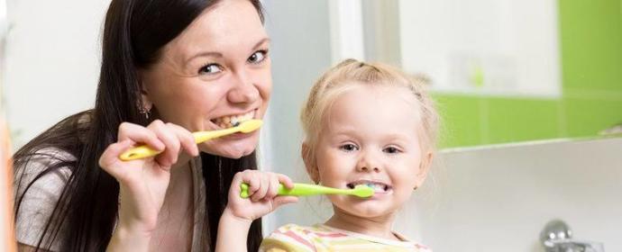 Çocuklara diş fırçalama eğitimi ne zaman verilmelidir?
