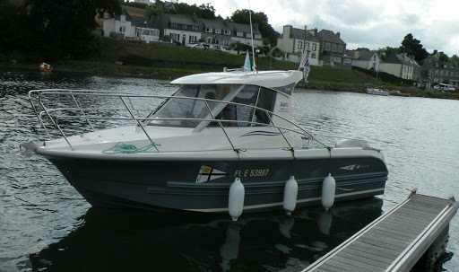Bir motor alıp hızı doruklarına kadar hissetmek her yeri gezmek mi yoksa tekne alıp açılıp balık tutup koyu gezmekmi ?