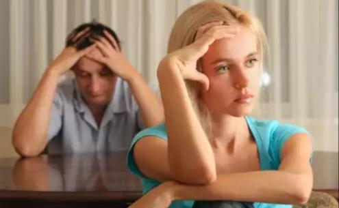 Evliliğinizin henüz ilk yıllarında o tatlı adam değişti artık eve geç geliyor! ne yaparsınız?