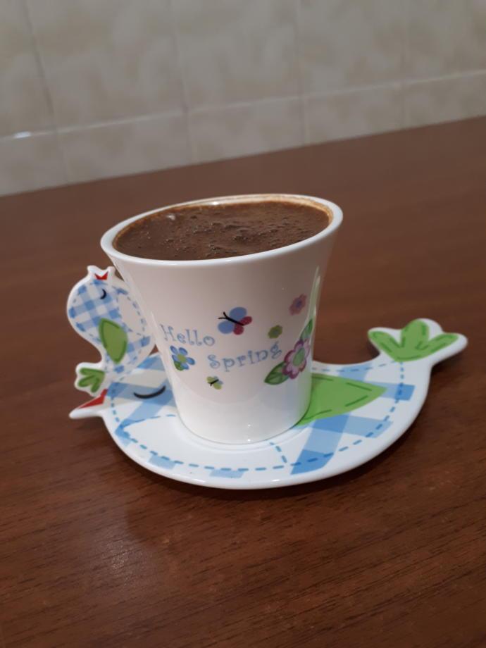 Bana ne alınır ya kahve ya kahve fincanı ☺