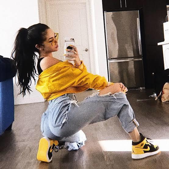 Kısa boylu kızların en büyük hayali uzun ve seksi bacaklara sahip olmak mıdır?