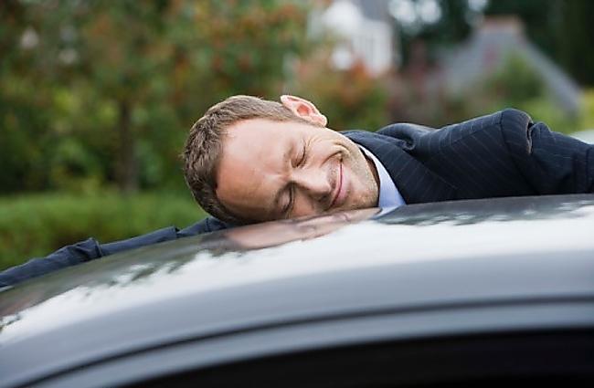 2 sokak arkaya bile arabasıyla giden arkadaşınız hakkında ne düşünürdünüz?
