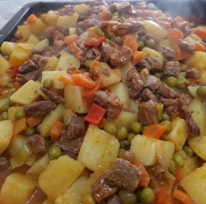 Yemeği hazırlamayı mı seversin yemeyi mi?