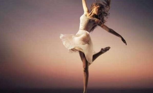 Sizde evde ara sıra çılgınca dans ediyor musunuz 💃🏻 ?