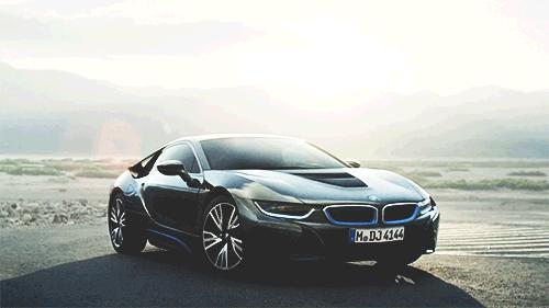 Sizin için bir arabanın dış görünüşü, estetiği mi daha önemli yoksa performansı mı?