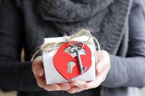 Şimdiye kadar aldığınız en anlamlı hediye nedir? Bu hediyeyi aldığınızda neler hissettiniz?