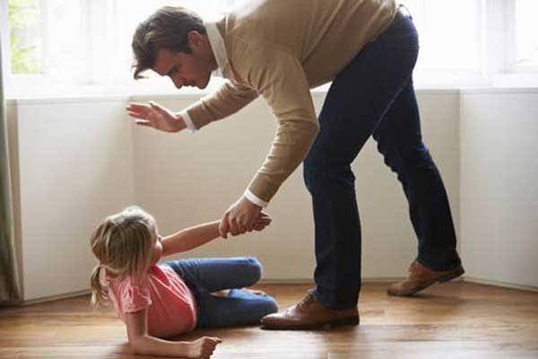 Dayak atmadan çocuk büyür mü?