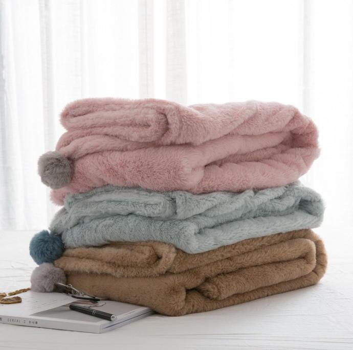 Zarar vermeden temizleyebilmek için battaniyeler çamaşır makinesinde hangi programda yıkanmalı?