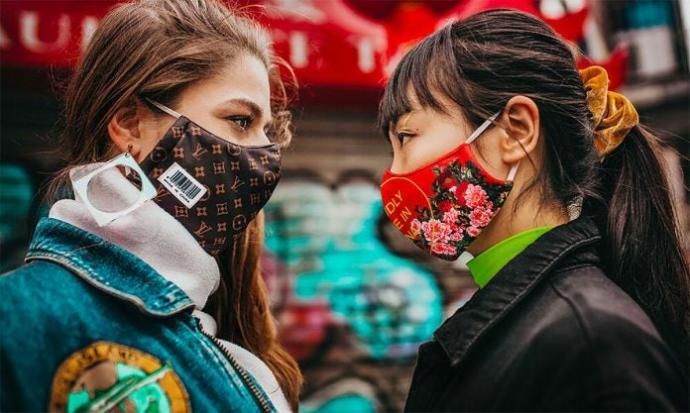 Maskelerden ilham alanlar sergisi açıldı. Siz nasıl maske kullanıyorsunuz?