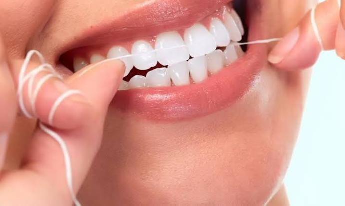 Diş temizliğinde fırçalamak dışında nasıl yöntemler uyguluyorsunuz?