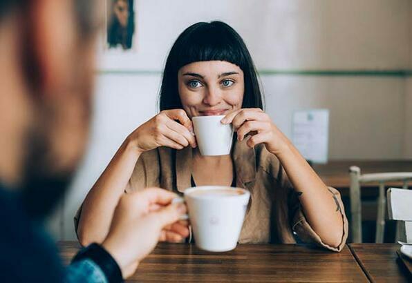 Hoşlandığınız karşı cinsten, arkadaşınızın da hoşlandığını öğrenirseniz ne yapardınız?