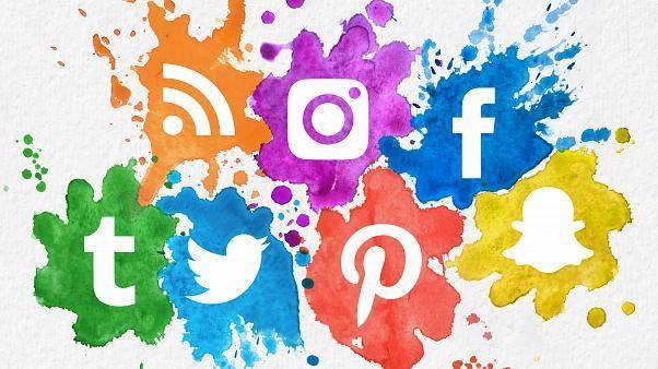 Sosyal medyada dolanırken paylaşımlarınıza ya da görüşlerinize ünlülerden karşılık geldi mi?