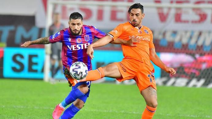 Başakşehir bu sezon ilk galibiyetini Trabzonspora karşı aldı. Başakşehir 2, Trabzonspor 0 . Ne düşünüyorsunuz?