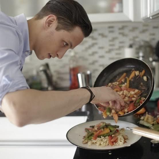 Eşiniz mutfakta mı yatakta mı becerikli olsun?