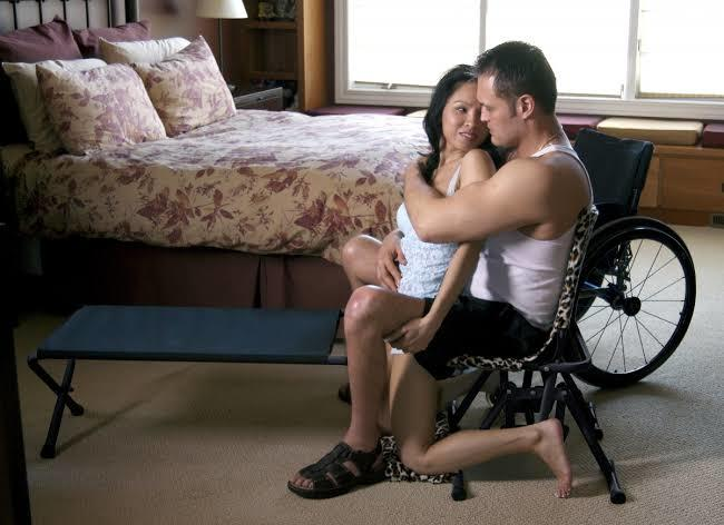 Bedensel engelli biriyle cinsel ilişkiye girer misiniz?