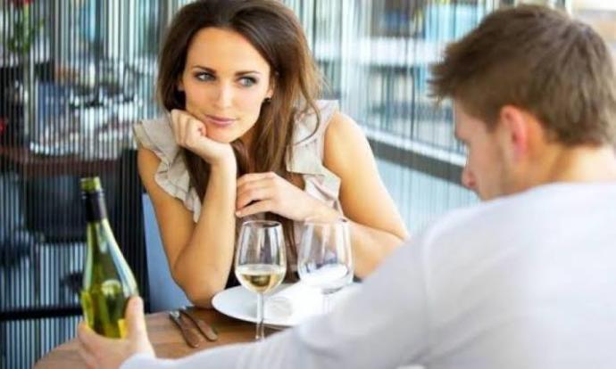 Evli kadınlar ufak tefek çapkınlıklar yapabilir mi?