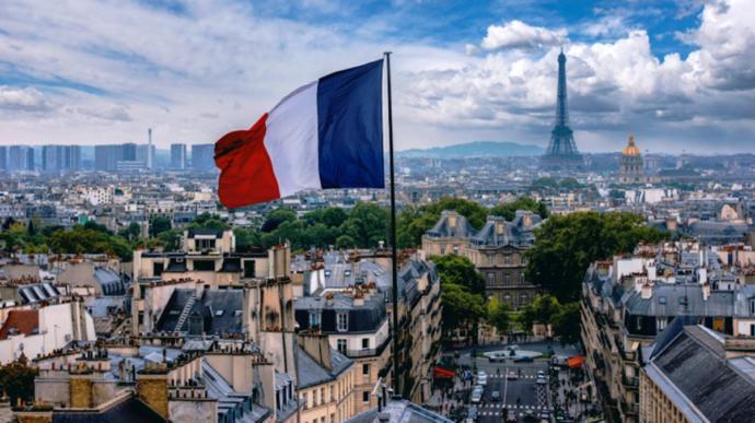 Fransada terör saldırısı: Bir kadının başı kesildi, 3 ölü var! Fransaya tepki gösteren devletler dinci terörü lanetleyecek mi?