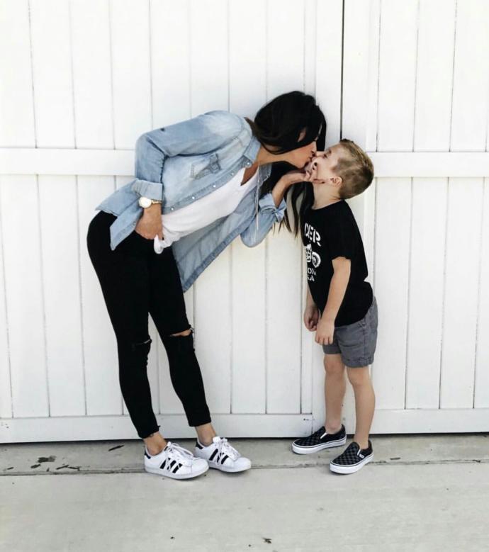 Anne erkek evladını kaç yaşına kadar dudağından öpebilir?