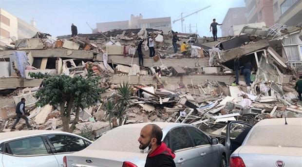 İzmir çok büyük geçmiş olsun depremden korkar mısınız?